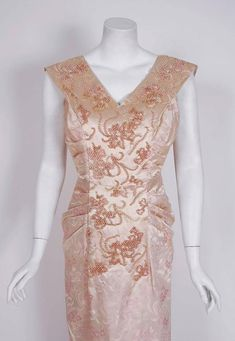 1953 Christian Dior Haute-Couture Beaded Champagne Pink Floral-Print Silk Gown 2