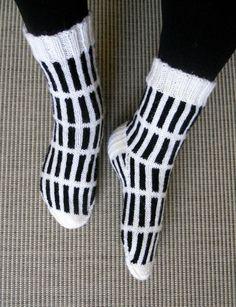 Black And White Socks, Marimekko, Knitting Socks, Drink, Food, Fashion, Knit Socks, Moda, Beverage