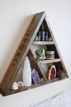 A made to order triangle altar shelf. This triangle shelf is stained in a kona / oak mix or classic Creation Deco, Creation Couture, Wood Projects, Woodworking Projects, Woodworking Workbench, Woodworking Techniques, Woodworking Shop, Mountain Shelf, Crystal Shelves