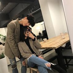 Shared by 노을 ☾. Find images and videos about love, cute and couple on We Heart It - the app to get lost in what you love. Matching Couple Outfits, Matching Couples, Korean Aesthetic, Couple Aesthetic, Cute Relationship Goals, Cute Relationships, Ulzzang Couple, Ulzzang Girl, Korean Ulzzang