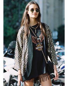 O kimono é aquela peça-chave nos dias que não sabemos se faz frio ou calor. Bateu um ventinho? Aposte nessa 3ª peça que ainda deixará o seu look muito mais estiloso! #stylingtip #st #blog #mag #tip #dica #look #estilo #lookinspiraçãoST #dicadoST