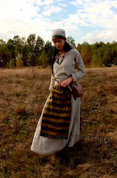 Early medieval Slavic costume