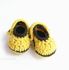 Crochet pattern for infant size crocs- not in English Booties Crochet, Crochet Baby Shoes, Crochet Baby Booties, Free Crochet, Knit Crochet, Felt Shoes, Crochet For Beginners, Crochet Accessories, Amigurumi Doll