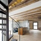 Alex Gasca + Hélène Silvy-Leligois: Flat For A Photographer Lofts, Loft Estilo Industrial, Stairs Window, Window Wall, Space Interiors, Grand Entrance, Minimalist Living, House Painting, Location