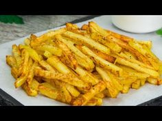Připravte hranolky bez oleje a hlavně zdravě| Chutný TV - YouTube Cooking Chef, Cooking Recipes, Healthy Recipes, Potato Recipes, Vegetable Recipes, Tumblr Food, Good Food, Yummy Food, Romanian Food