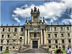Fachada de San Martín Pinario en Santiago de Compostela