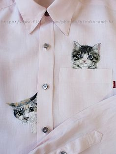 hand embroidered 2 cats on the pink line shirt for men Hand Embroidery Designs, Embroidery Stitches, Embroidery Patterns, Embroidery On Clothes, Embroidered Clothes, T Shirt Painting, Painted Clothes, Pulls, Shirt Designs