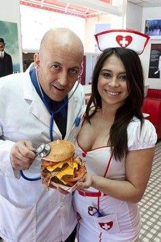 Incroyable... mais vrai !!! Un restaurant où on incite à la gourmandise - Quelle horreur ! D0fbdfff2e7591e56ac067e49070386f--heart-attack-grill-vegas-vacation