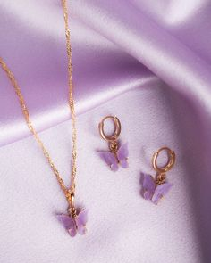 White Diamond Drop Earrings, 2 Carat Diamond and Solid Yellow Gold Earrings, Luxury Anniversary Jewelry, French Ear Wire, Diamond & Gold - Fine Jewelry Ideas Ear Jewelry, Cute Jewelry, Jewelry Accessories, Purple Accessories, Jewelry Logo, Jewelry Quotes, Body Jewelry, Jewelry Ideas, Jewelry Bracelets