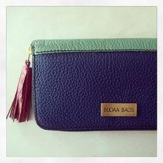 Blletera Lucia 2 combinaciones de Cueros  www,facebook.com/budaabags   #fashion #moda #leather #collection #aw2015 #winter #handbags #bags #leather #budaabags #suelaynegro #cuero #like #love #megusta