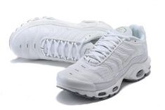 online retailer 9784c 7a325 Nike Air Max Plus Tn Shoes - ShoesExtra.com