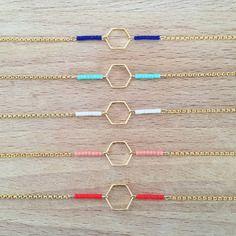 Bracelet plaqué or géométrique hexagone et petites perles