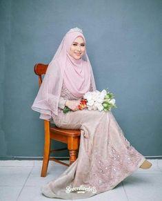 Bridal hijab styles veils wedding dresses Ideas for 2019 Muslimah Wedding Dress, Wedding Dressses, Muslim Wedding Dresses, Hijab Bride, Dream Wedding Dresses, Bridesmaid Dresses, Muslim Brides, Malay Wedding Dress, Wedding Dress With Veil