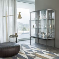 Glass and aluminium display cabinet GALERIST By Lema design Christophe Pillet Dining Furniture, Home Furniture, Furniture Design, Contemporary Bar, Contemporary Furniture, Best Interior, Interior Design, Floating Glass Shelves, Glass And Aluminium
