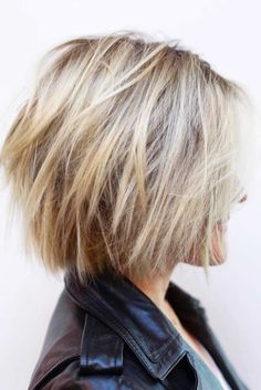 Cliquez ici pour l& complète!Neue kurz geschichtete Frisuren 2018 - Crystal Hurtt New Short Layered Hairstyles 2018 Choppy-Bob-Hair Neue Kurze geschichtete Frisuren 2018 Short Layered Haircuts, Short Hairstyles For Thick Hair, Haircut For Thick Hair, Short Hair With Layers, Curly Hair Styles, Short Choppy Bobs, Layered Choppy Bob, Choppy Layers, Hairstyle Short