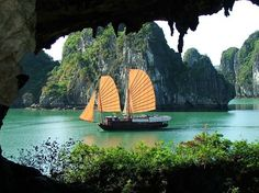 Travel Tuesday.  Because I'm manifesting this voyage/adventure/trip for 2018.  Vietnam you're on my horizon. I feel you. I know I'll meet you and your people.  I will eat your foods.  I will pray in your temples.  I will swim & cruise in Halong Bay.  #manifestdestiny  #openheart  #vietnamtrip #vietnam2018