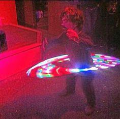 Peter Dinklage, in a strip club, hoolahooping