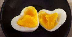 Não é novidade que o ovo pode ajudar a emagrecer. O hábito de consumi-lo pela manhã é uma estratégia eficiente adotada na dieta, segundo estudo da Universidade do Estado da Louisiana. Pesquisadores dividiram 152 pessoas em dois grupos: um ingeriu dois ovos pela manhã e, o outro, um bagel (pão de farinha branca)