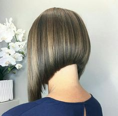 #hairdare Inverted Bob Haircuts, Short Bob Haircuts, Medium Hair Styles, Short Hair Styles, A Line Hair, Line Bob Haircut, Haircut Pictures, Corte Bob, All Hairstyles