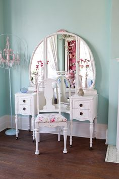 deposit listing for Kathy antique vanity shabby chic distressed roses white cottage prairie with chair vintage Shabby Chic Vanity, Shabby Chic Furniture, Home Furniture, Distressed Furniture, Shabby Chic Homes, Shabby Chic Decor, Retro Home Decor, Diy Home Decor, Antique Vanity