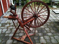 """""""Broken Table"""" Spinning Wheel"""