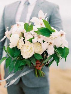 San Diego beach wedding. Carmen Santorelli Photography. San Diego Florist: Plenty of Petals