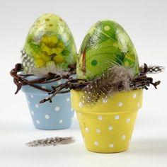 Craft & Creativity: Plastic Eggs with Napkin Decoupage