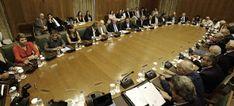 Χαρακτηρίζοντας προτεραιότητά του την ολοκλήρωση της τρίτης αξιολόγησης, ο πρωθυπουργός Αλέξης Τσίπρας δεν αποκλείει το ενδεχόμενο- όταν...