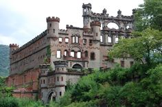 abandoned castle belgium - Szukaj w Google