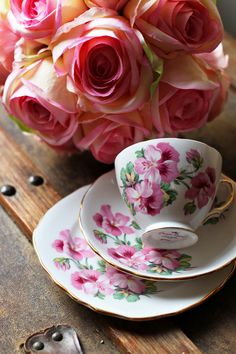 Vintage China (by MandyJayneBeck)