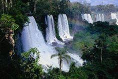 Argentina es un lugar muy hermoso. Si eres un turista deves visitar muchos lugares.