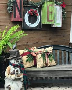 Christmas Porch, Christmas Decorations, Xmas, Holiday Decor, Christmas Ideas, Holiday Ideas, Old Drawers, Painted Drawers, Deck The Halls