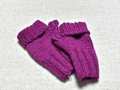 Bio Baby Armstulpen fuchsia bis 18 Monate, Verlängerter Fingerabschluß zum Umklappen, gestrickte Handschuhe, Merino Biowolle von frostpfoetchen auf Etsy