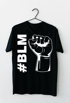 Black Lives Matter. Stoppt den Rassismus auf unserer Erde und spreaded diese Nachricht mit diesem T-Shirt, dass sich auch optimal als Geschenkidee entpuppt. #BLM #BlackLivesMatter #ALM #AllLivesMatter #Antirassismus #georgefloyd Nail Art, Mens Tops, Black, Design, Fashion, Heather Grey, Earth, Women's T Shirts, Moda