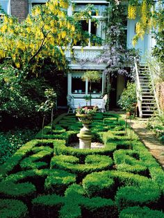 Power Gardening: Opulence and Restraint in Your Formal Garden : Outdoors : Home & Garden Television