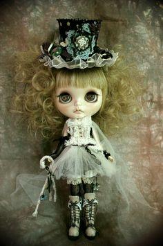 cute Lolita styled Blythe! ♥
