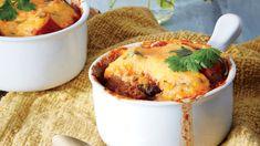 Chicken Chili Pot Pie Recipe - This sounds amazing! Chili Pot Pie Recipe, Chili Recipes, Pie Recipes, Casserole Recipes, Chicken Recipes, Hearty Recipe, Dinner Recipes, Dinner Ideas, Turkey Recipes