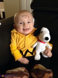 Cute costume for a bald baby!  Just glue some black roc-rac to a yellow shirt and add a Snoopy stuffed animal.