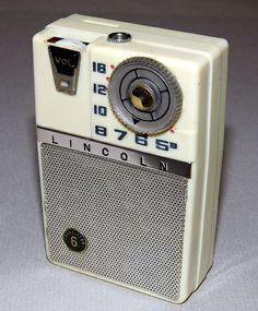 Vintage Lincoln 6-Transistor AM Radio (No Model Number), Made in Japan.