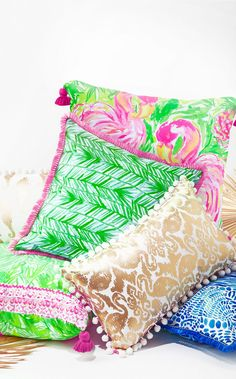 There's no better way to pop a room than with printed Lilly Pulitzer pillows. Featured in a long time favorite print, with fringe lining the edges, this pillow is exactly the way to brighten up a room. Flamingo Nursery, Flamingo Baby Shower, Flamingo Party, Outdoor Beach Decor, Indoor Outdoor, Outdoor Spaces, Flamingo Gifts, Pom Pom Trim, Pom Poms