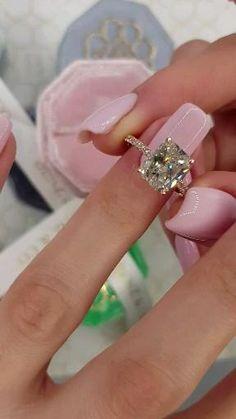 Cute Engagement Rings, Radiant Cut Engagement Rings, Different Engagement Rings, Bridal Rings, Wedding Rings, Bling Wedding, Wedding Flowers, Radiant Cut Diamond, Bracelets