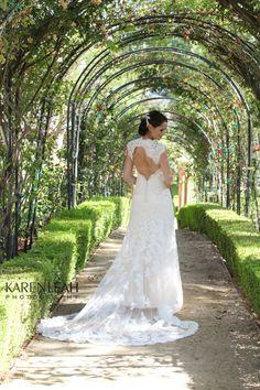 Westlake Village Inn Monique Lhuillier Dress Summer Wedding Bridal Photo Ideas www.facebook.com/karenleahphotography www.karenleahphotography.com