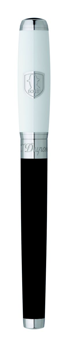 T Dupont Elysée Roller Pen Humphrey Bogart The design is directly inspired from the suit which Humphrey Bogard wore in Casablanca, the movie. St Dupont, Roller Pen, Vintage Pens, Pen Collection, Best Pens, Humphrey Bogart, Writing Pens, Fountain Pen Ink, Pen And Paper
