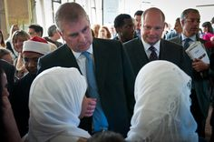 Prince Andrew talking to Muslim students from Islamia School