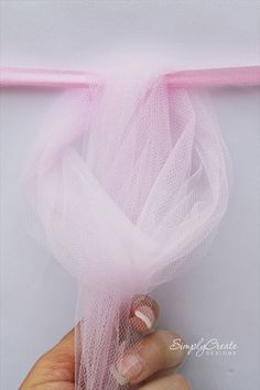 How To Make a Tulle Table Skirt | 101 DIY and Crafts trying to find a way to do this around the crib