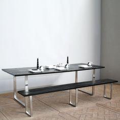 Très belle table de jardin 240cm. Bois de fer ou ulin, pieds en acier inoxyadable. Chaque pièce est unique!