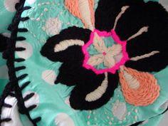Handgesticktesschal Pirusanta0108 Unikat Signiert von PIRUSANTA, 1500.00 Crochet Necklace, Etsy, Vintage, Jewelry, Fashion, Handcrafted Gifts, Clothing Apparel, Schmuck, Moda