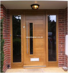 FRONT DOOR IDEAS – Among the very first points about a house that a guest or home buyer notices are the front doors. If you wish to make a statement, upgrading or overhauling your front door … Oak Front Door, Wooden Front Doors, Front Door Entrance, House Front Door, Front Door Design, House Doors, Oak Doors, Front Entry, Contemporary Front Doors