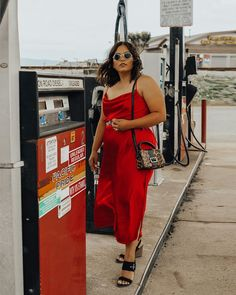 No I don't pump my gas, i live in Oregon. // To all my story viewers. I got the red dress. 400 of you voted yes and many of y'all messaged… Source by xoangierich dress curvy Fat Girl Fashion, Fashion Mode, Curvy Fashion, Fashion Looks, Fashion Outfits, Emo Fashion, Gothic Fashion, Dress Fashion, Outfits Plus Size