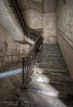 upstairs. by Regi Itten on 500px